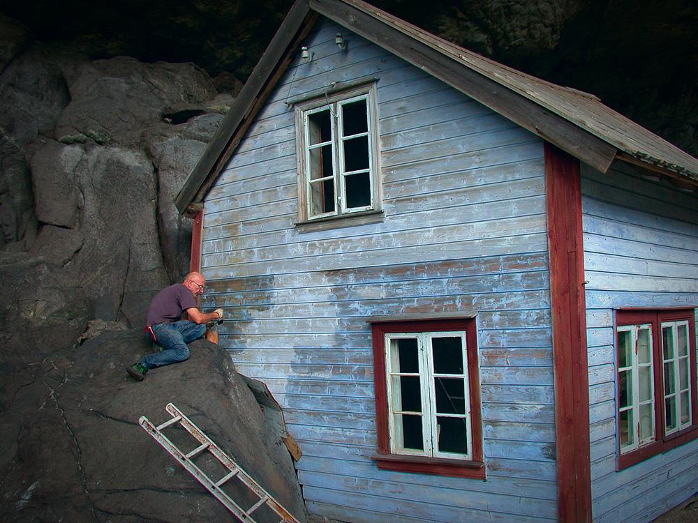 Det blå huset i Helleren blir påsmurt linolje