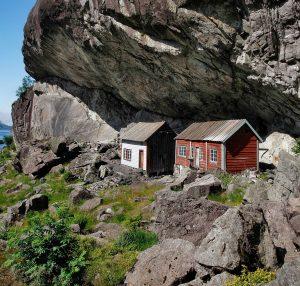 Helleren i Jøssingfjord på en solfylt dag. Foto: Jon Ingemundsen